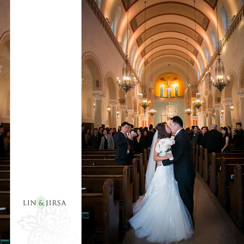 30-st-monica-catholic-church-santa-monica-wedding-photographer-wedding-ceremony-photos
