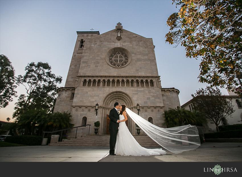 32-st-monica-catholic-church-santa-monica-wedding-photographer-wedding-ceremony-photos