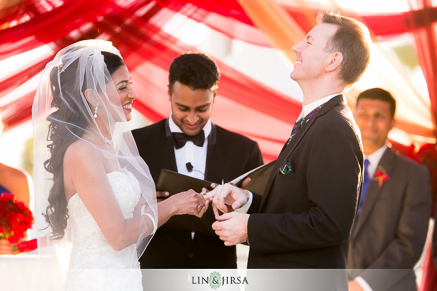 38-hyatt-regency-huntington-beach-indian-wedding-photographer-ceremony-photos