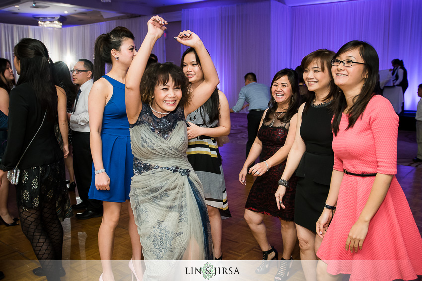 41-sheraton-park-hotel-at-the-anaheim-resort-wedding-photographer