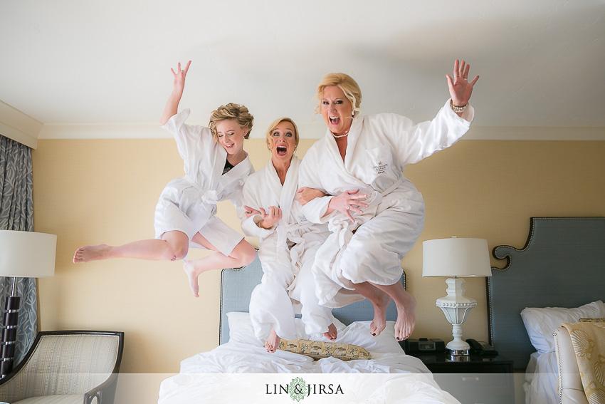 02-dana-point-yacht-club-wedding-photographer-bride-getting-ready-photos