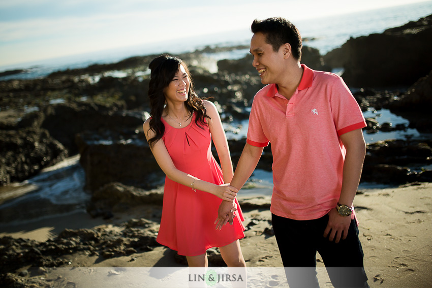 02-winter-beach-engagement-photographer