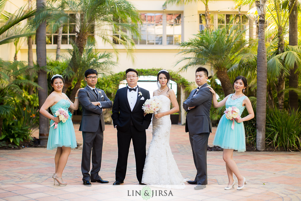 08-the-ritz-carlton-laguna-niguel-wedding-photographer-first-look-wedding-party-photos