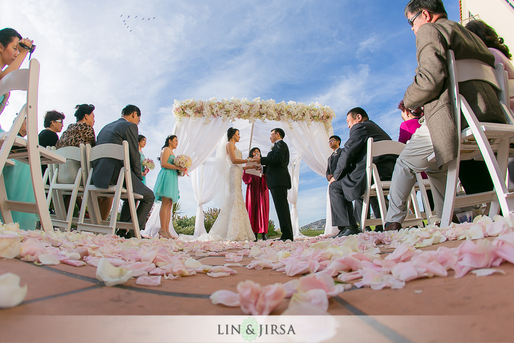 15-the-ritz-carlton-laguna-niguel-wedding-photographer-tea-ceremony-wedding-ceremony-photos