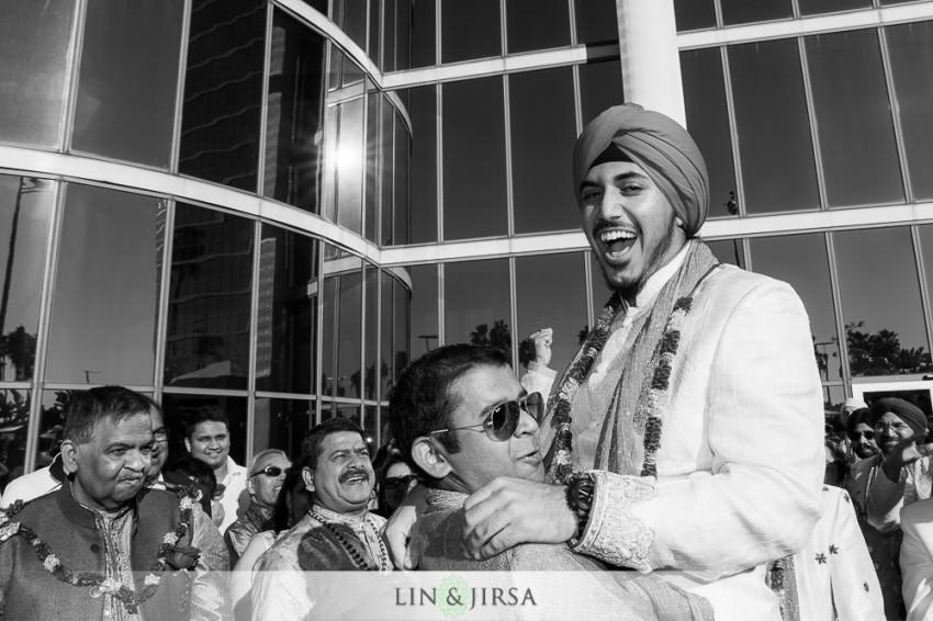 04-hyatt-regency-long-beach-indian-wedding-getting-ready-baraat-photos
