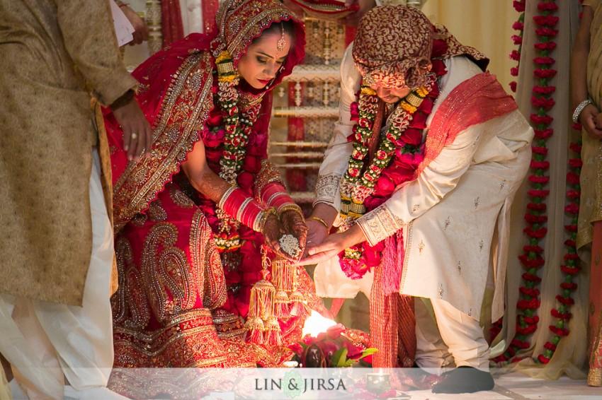 11-hyatt-regency-long-beach-indian-wedding-ceremony-photos
