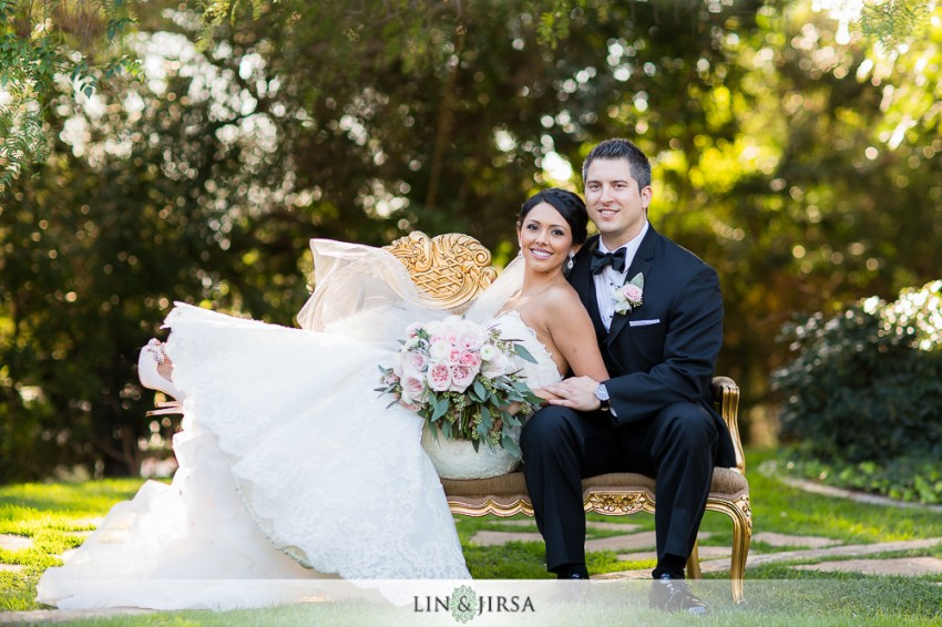 12-green-gables-estate-wedding-photographer-couple-session-wedding-party-photos