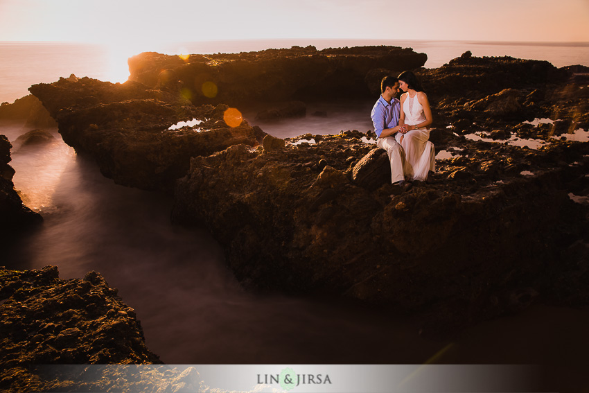 12-laguna-beach-orange-county-sunset-engagement-photos