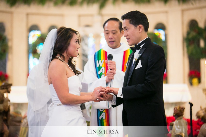 13-hilton-san-gabriel-wedding-photographer-wedding-ceremony-photos