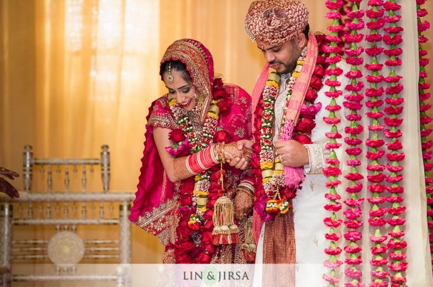13-hyatt-regency-long-beach-indian-wedding-ceremony-photos
