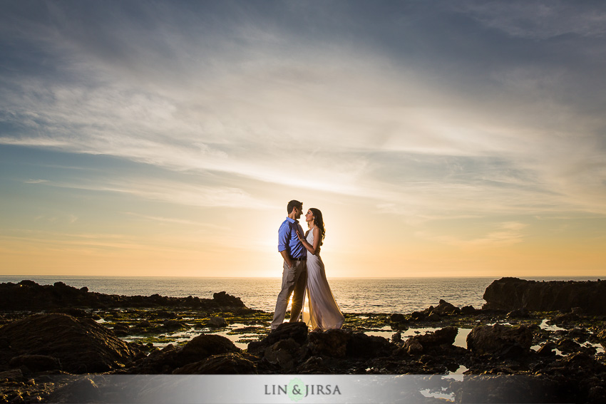 13-laguna-beach-orange-county-sunset-engagement-photos