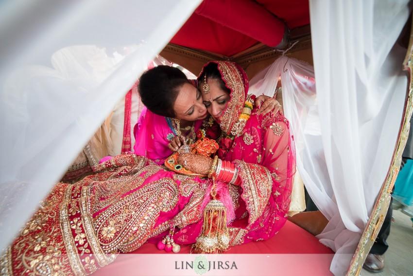 15-hyatt-regency-long-beach-indian-wedding-ceremony-photos