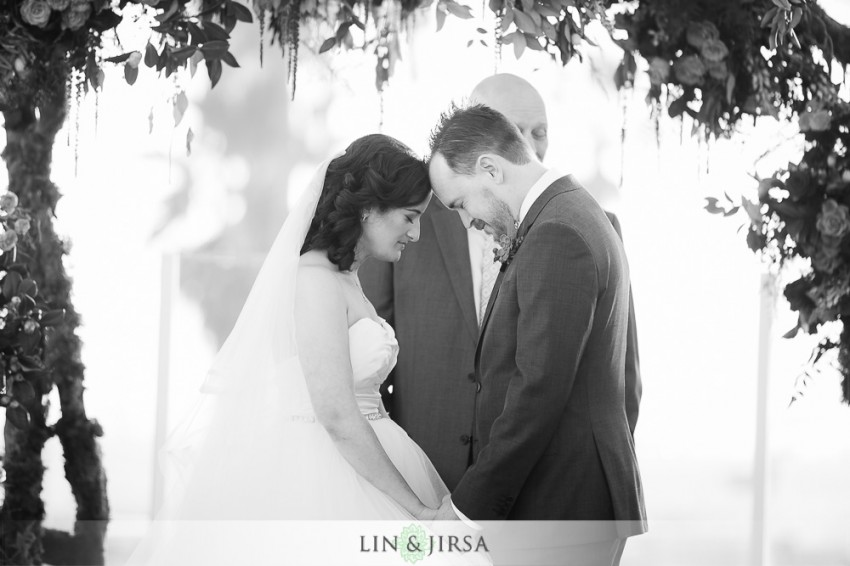 18-hyatt-regency-huntington-beach-wedding-photographer-wedding-ceremony-photos