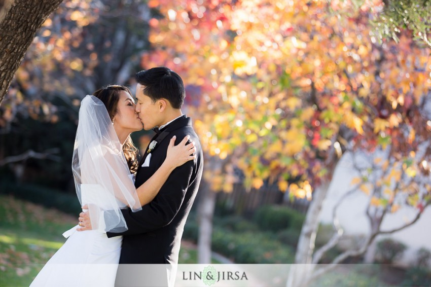 24-hilton-san-gabriel-wedding-photographer-couple-session-photos