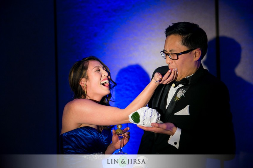 35-hilton-san-gabriel-wedding-photographer-wedding-reception-photos