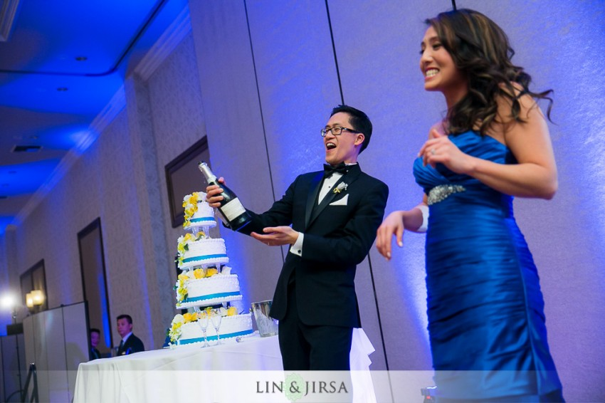 36-hilton-san-gabriel-wedding-photographer-wedding-reception-photos