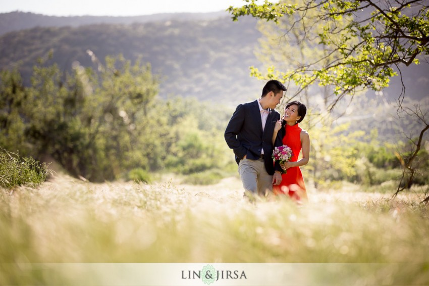 06-gorgeous-orange-county-outdoor-engagement-photos