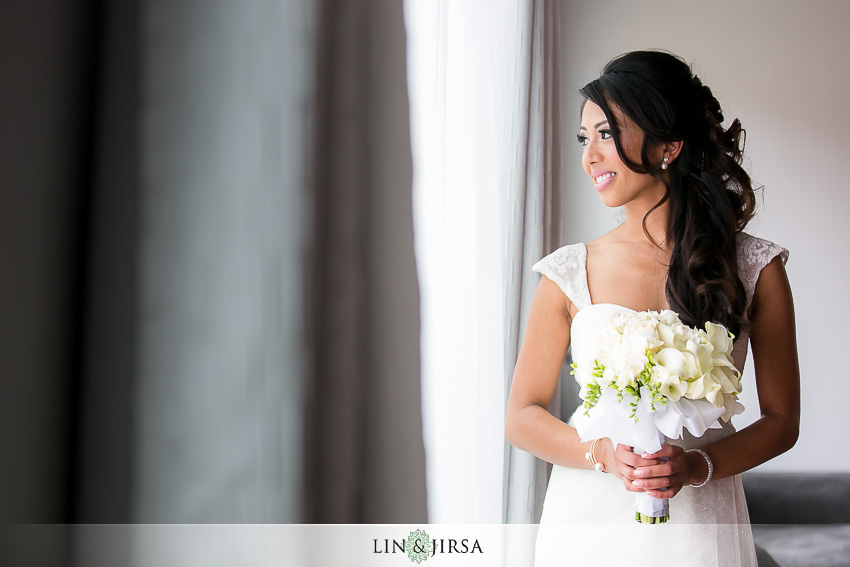 07-the-la-hotel-downtown-wedding-photographer-getting-ready-photos