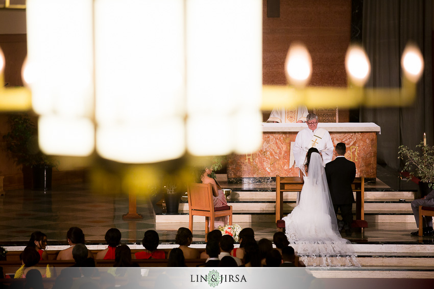 15-the-la-hotel-downtown-wedding-photographer-wedding-ceremony-photos