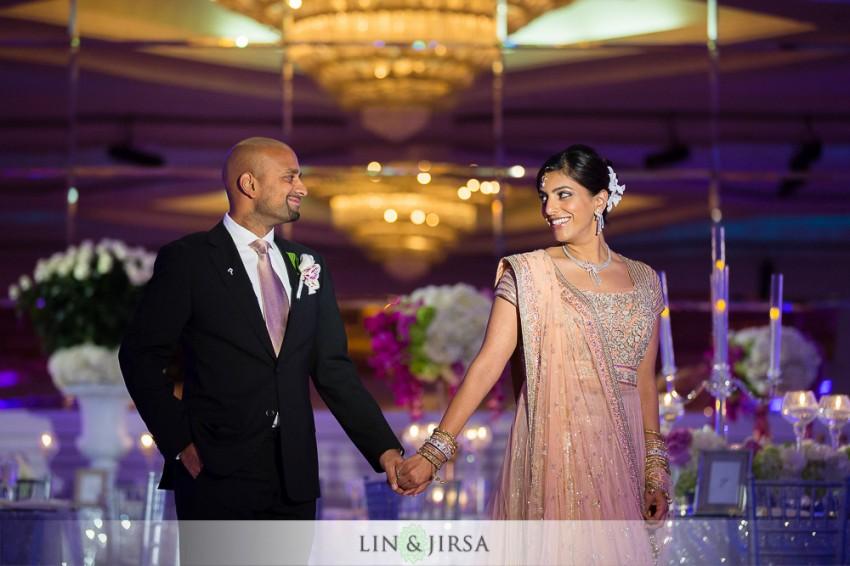 16-sheraton-universal-hotel-indian-wedding-photographer-couple-session-photos