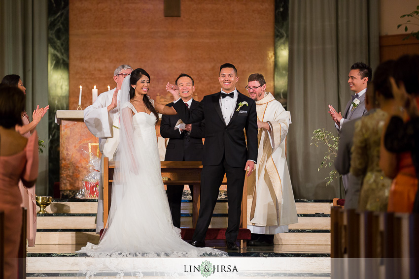 20-the-la-hotel-downtown-wedding-photographer-wedding-ceremony-photos