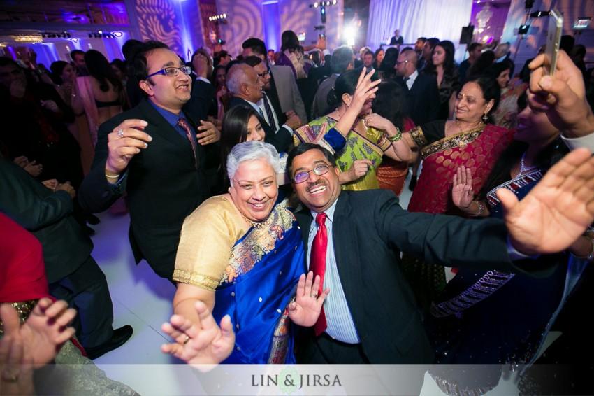 27-sheraton-universal-hotel-indian-wedding-photographer-wedding-reception-photos