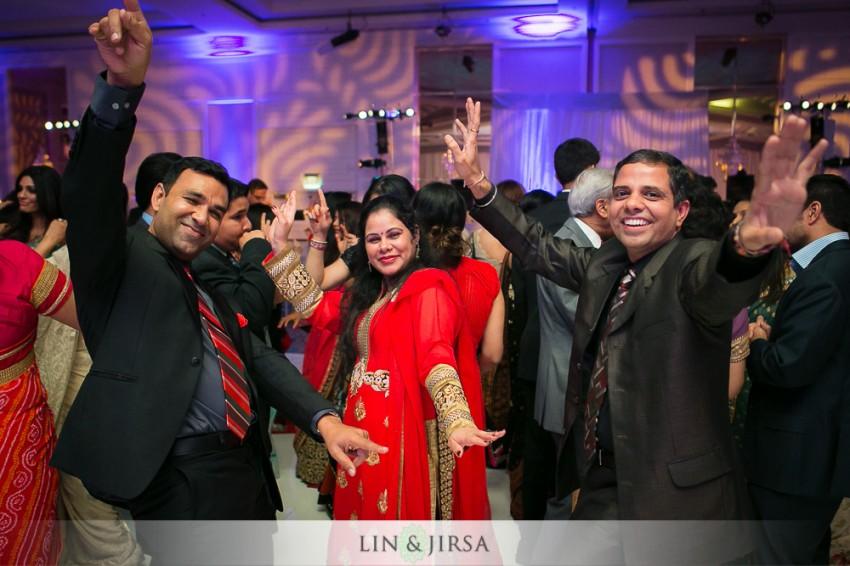 30-sheraton-universal-hotel-indian-wedding-photographer-wedding-reception-photos