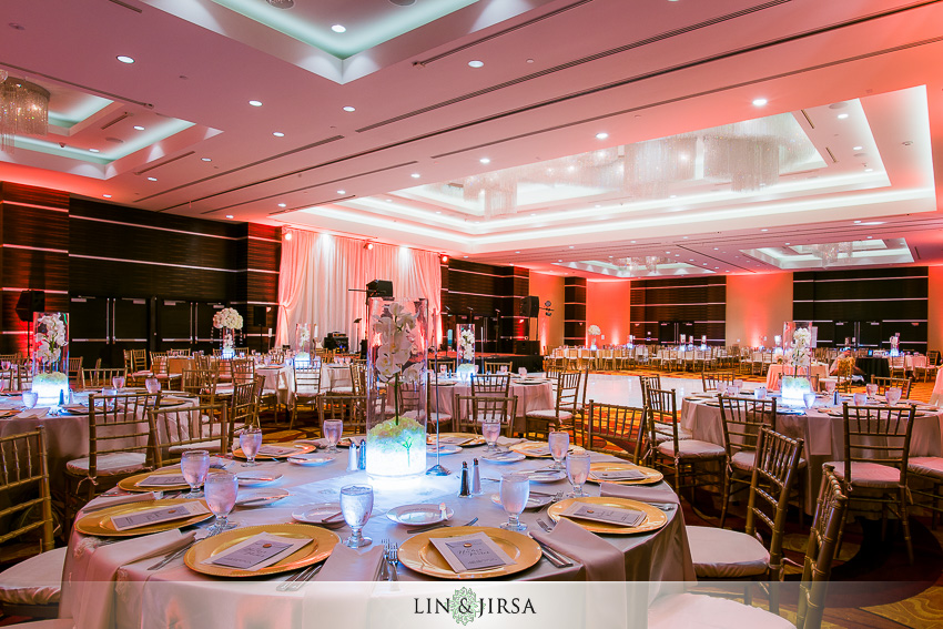 32-the-la-hotel-downtown-wedding-photographer-wedding-reception-photos