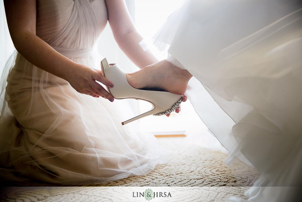 03-st-regis-monarch-beach-wedding-photographer-bride-groom-getting-ready-photos