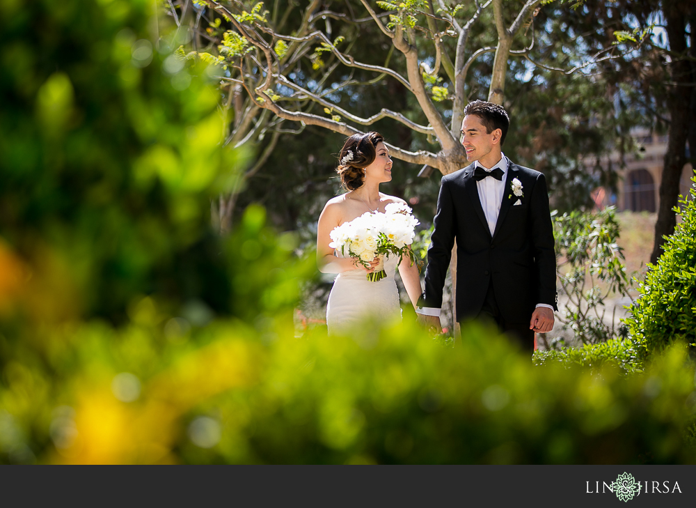 20-st-regis-monarch-beach-wedding-photographer-first-look-wedding-party-couple-session-photos