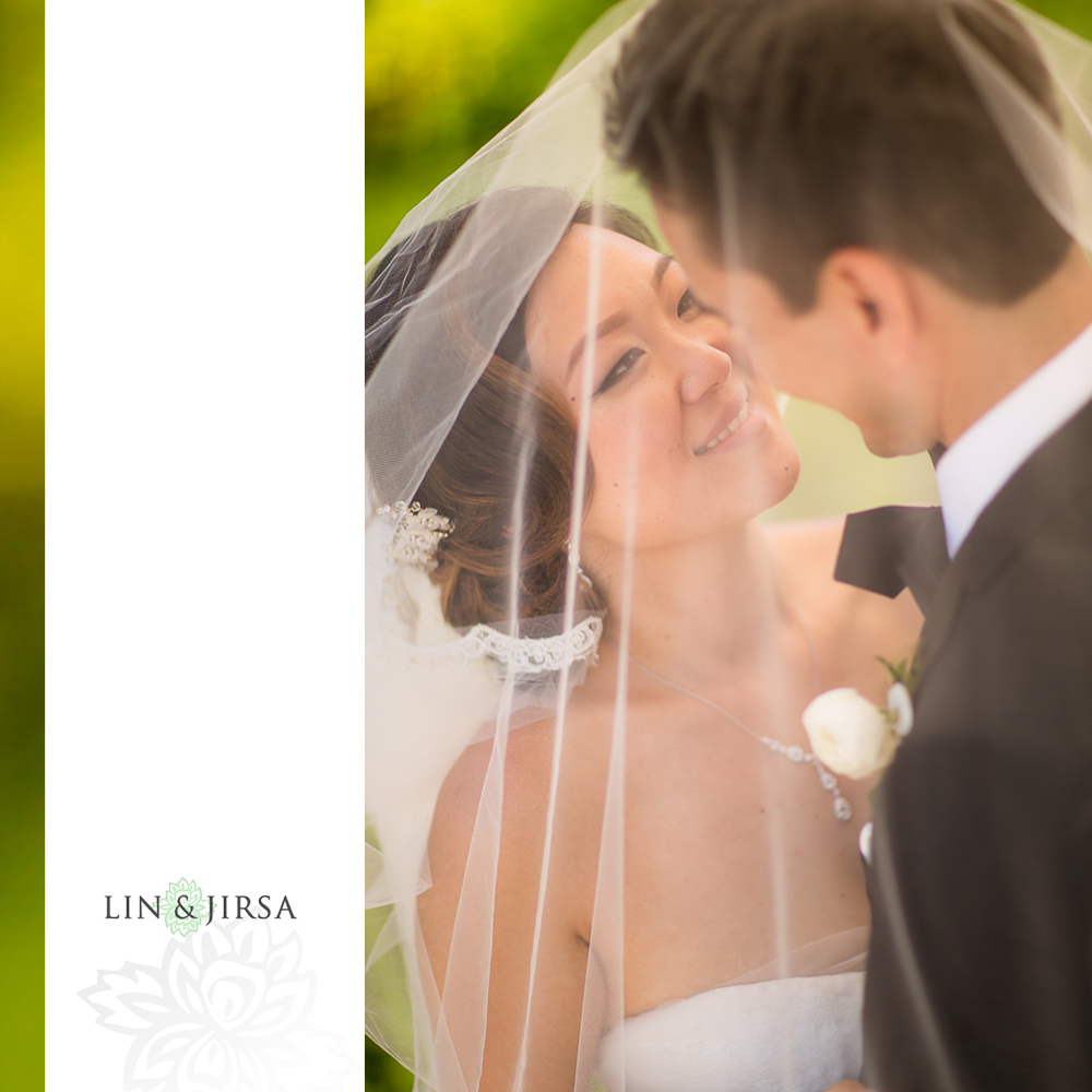 22-st-regis-monarch-beach-wedding-photographer-first-look-wedding-party-couple-session-photos