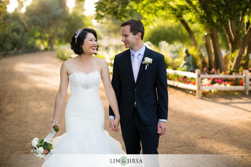 28-lake-oak-meadows-temecula-wedding-photographer-couple-session-photos