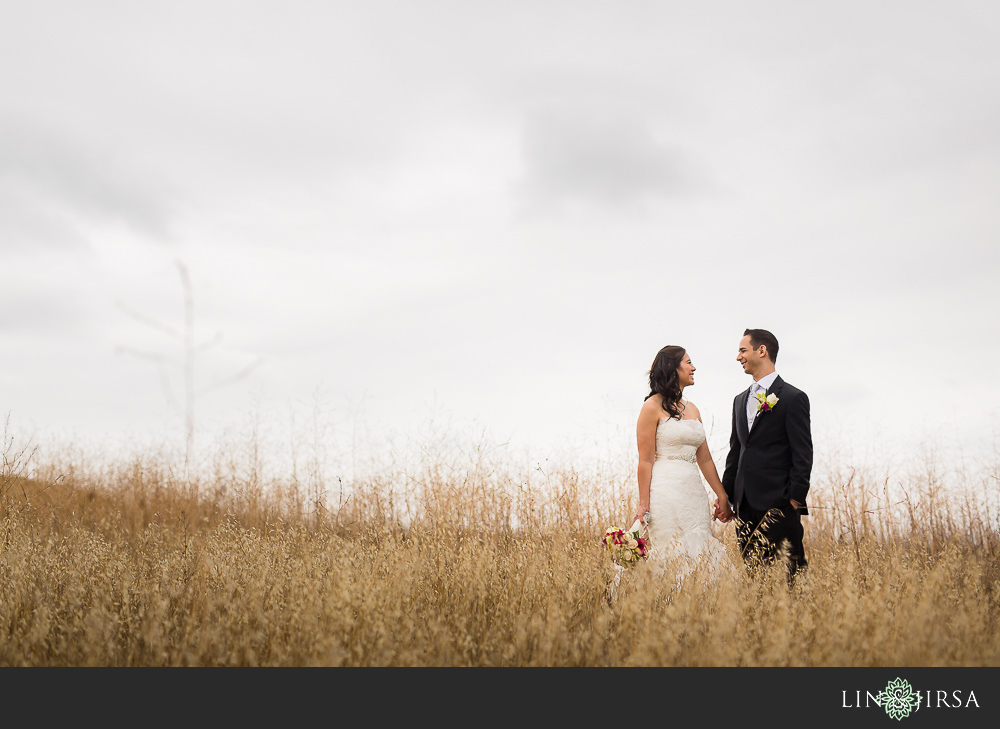 09-earl-burns-miller-japanese-garden-wedding-photographer-first-look-photos