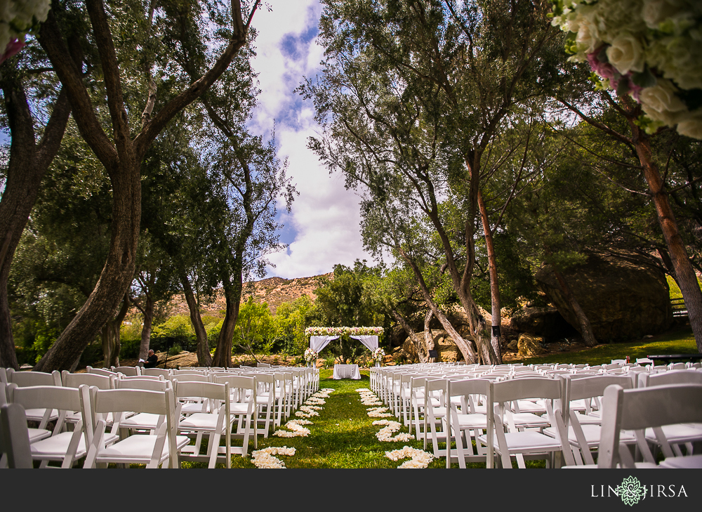 13-hummingbird-nest-ranch-wedding-photographer-first-look-ceremony-photos
