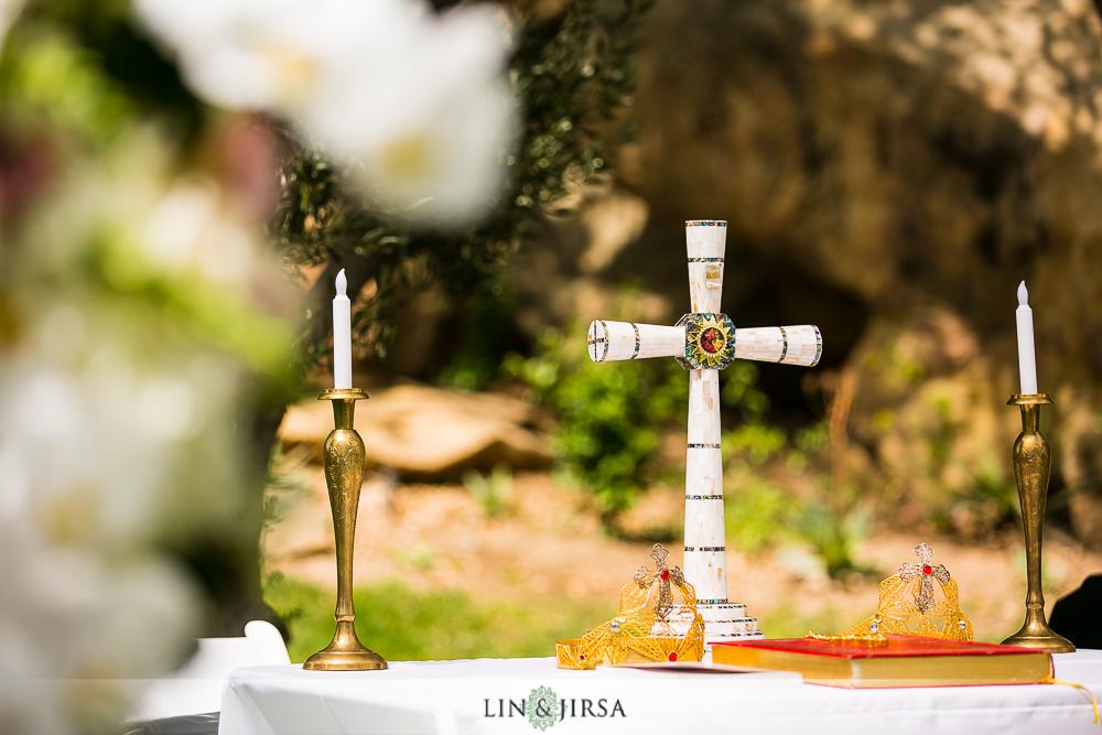 14-hummingbird-nest-ranch-wedding-photographer-first-look-ceremony-photos