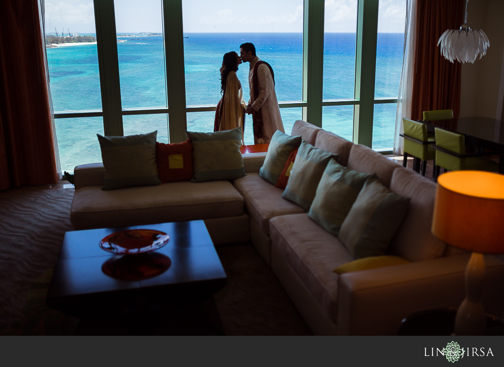 16-atlantis-bahamas-wedding-photographer