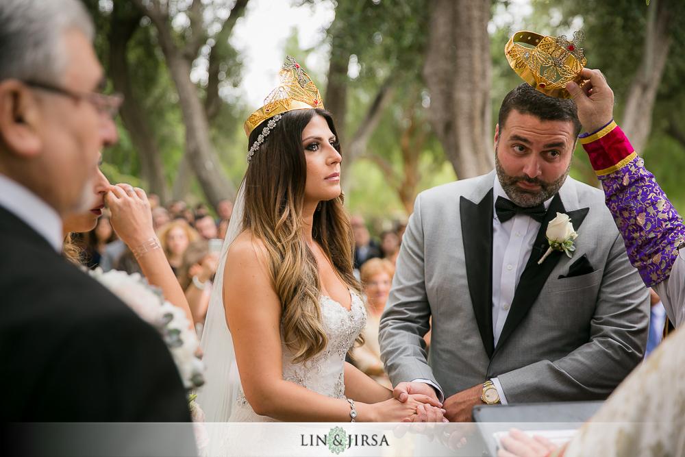17-hummingbird-nest-ranch-wedding-photographer-first-look-ceremony-photos