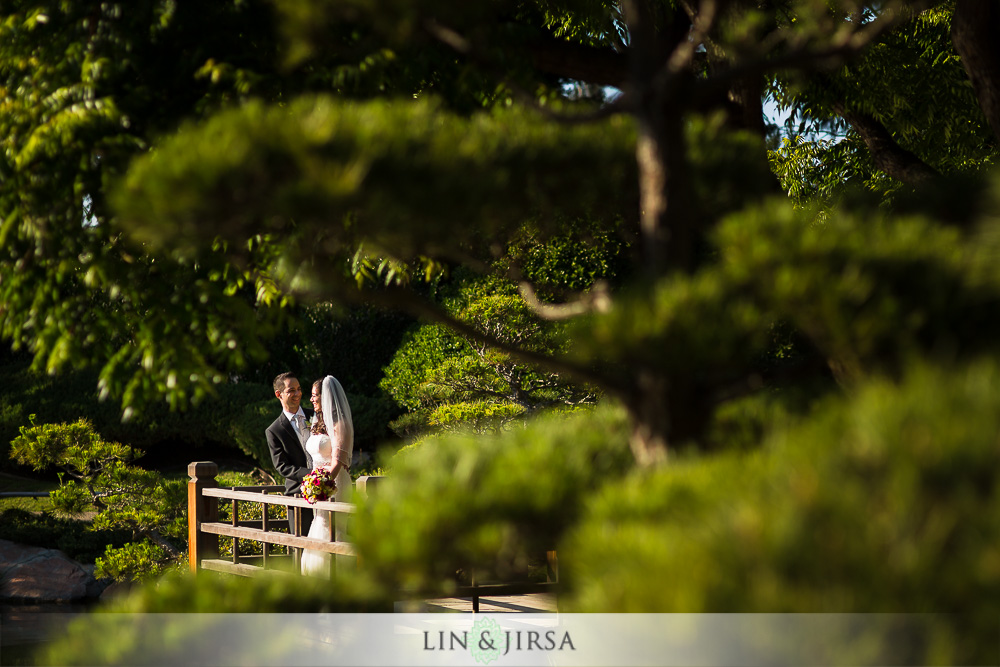 24-earl-burns-miller-japanese-garden-wedding-photographer-couple-session-photos
