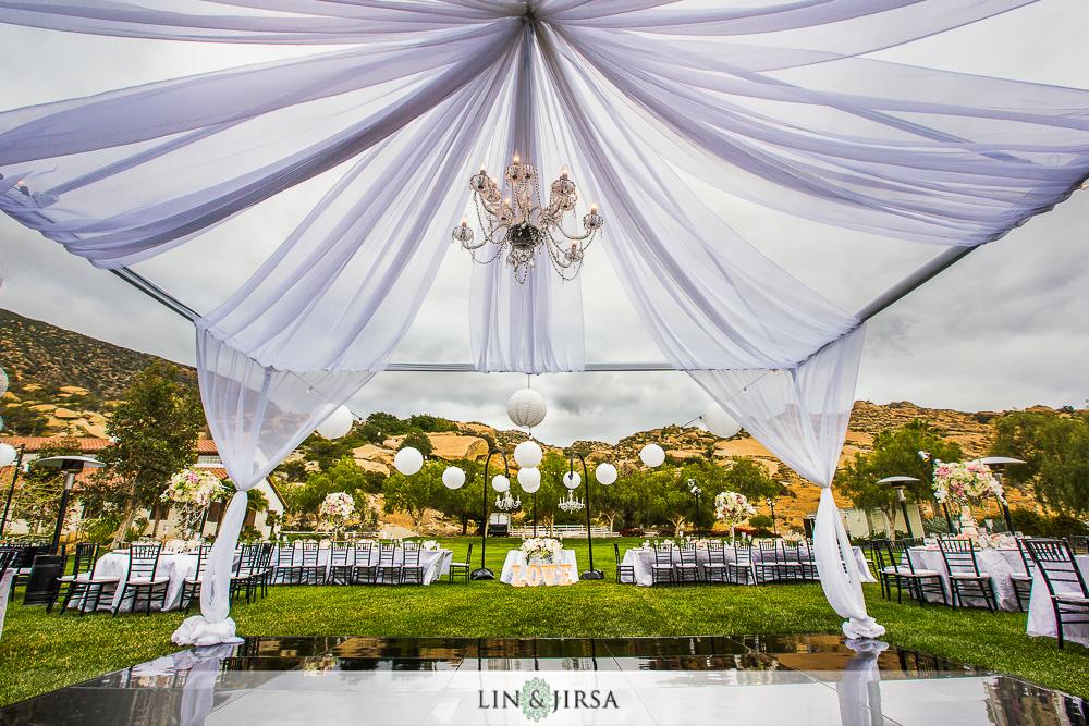 24-hummingbird-nest-ranch-wedding-photographer-reception-photos
