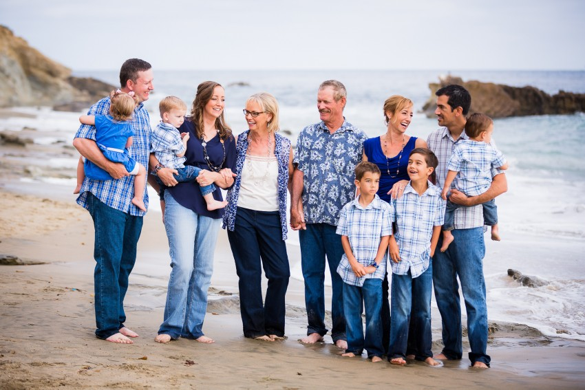 0007-Ashley-Agape-Beach-Family-Shoot