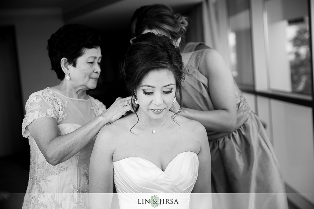 01-the-london-west-hollywood-wedding-photographer-getting-ready-photographers