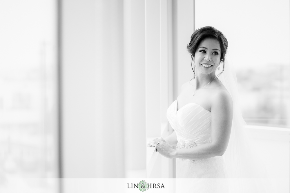 03-the-london-west-hollywood-wedding-photographer-getting-ready-photographers