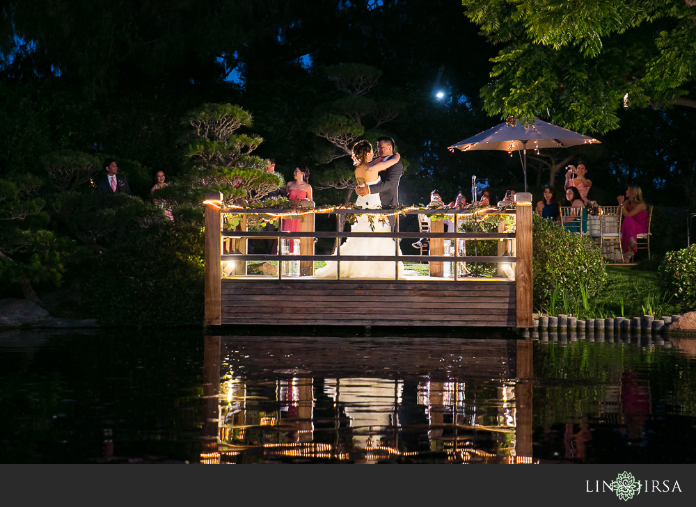 37-earl-burns-miller-japanese-garden-wedding-photographer-couple-session-wedding-reception-photos