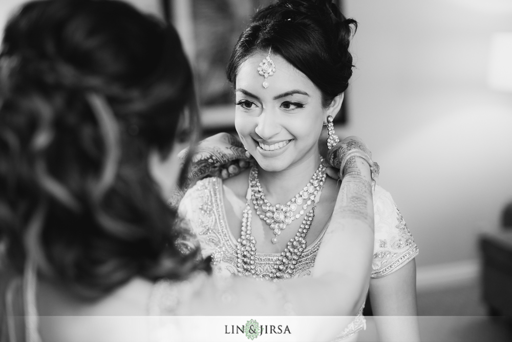 04-laguna-cliffs-marriott-indian-wedding-photographer-getting-ready-photos