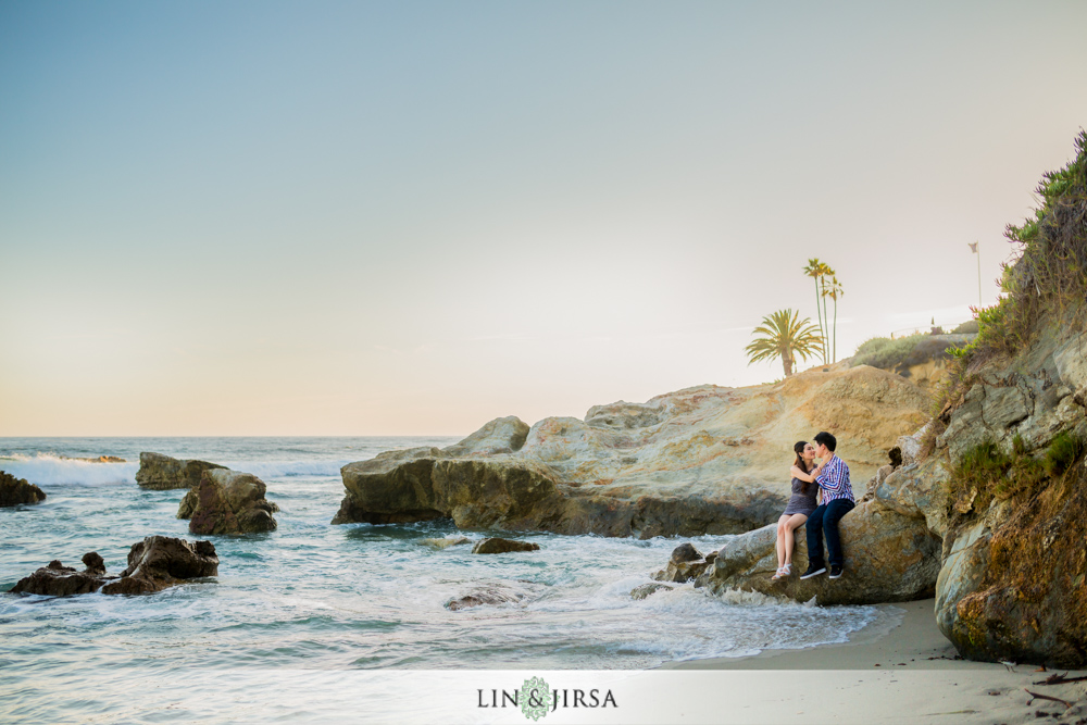 06-heisler-park-engagement-photographer