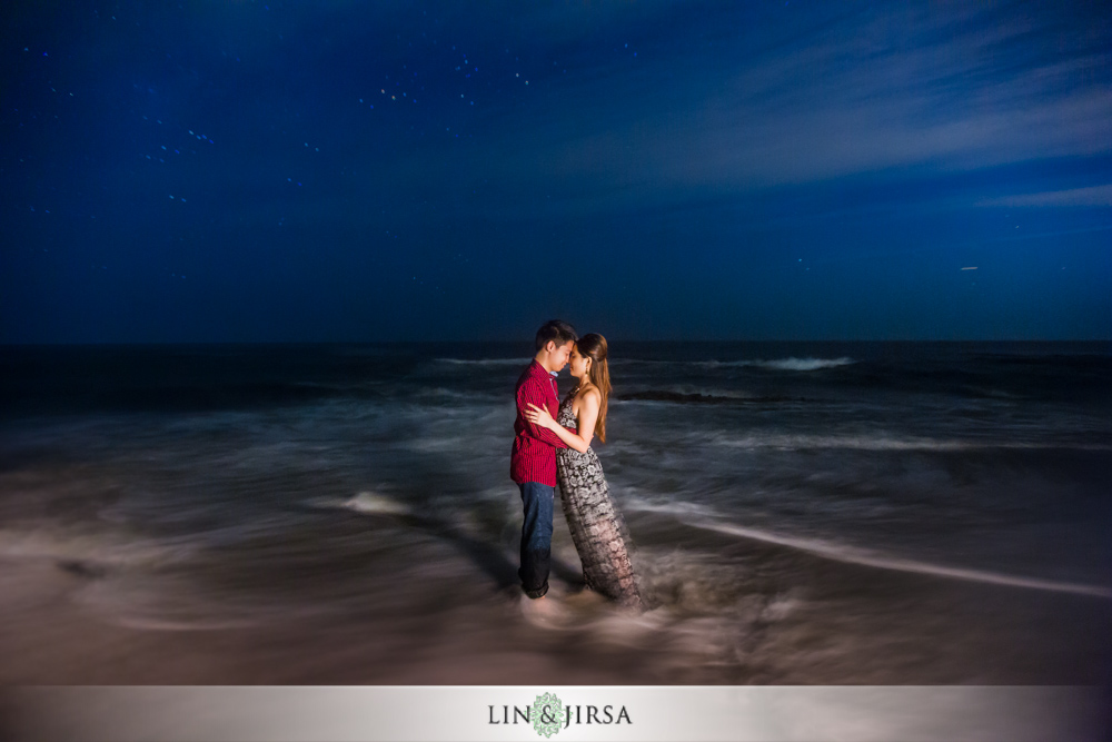 12-heisler-park-engagement-photographer