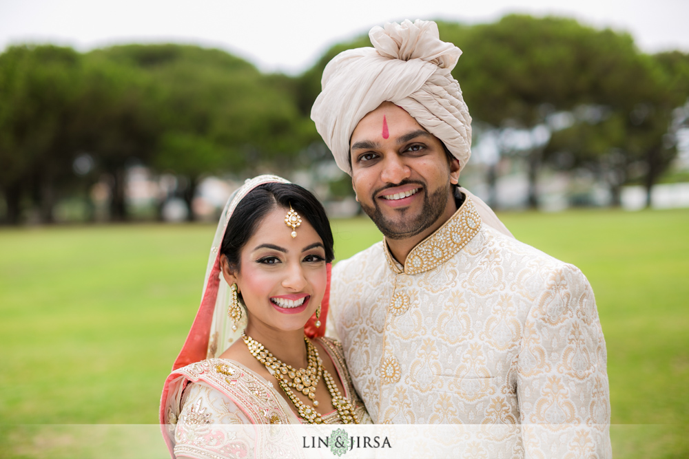 13-laguna-cliffs-marriott-indian-wedding-photographer-first-look-couple-session-photos