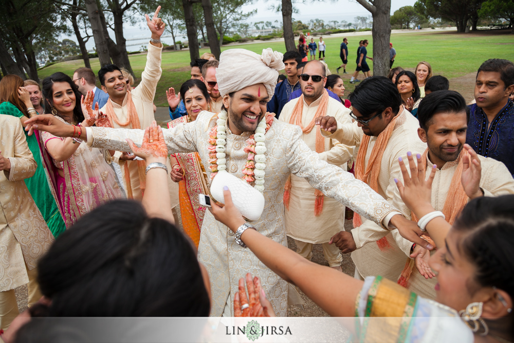 27-laguna-cliffs-marriott-indian-wedding-photographer-wedding-ceremony-photos