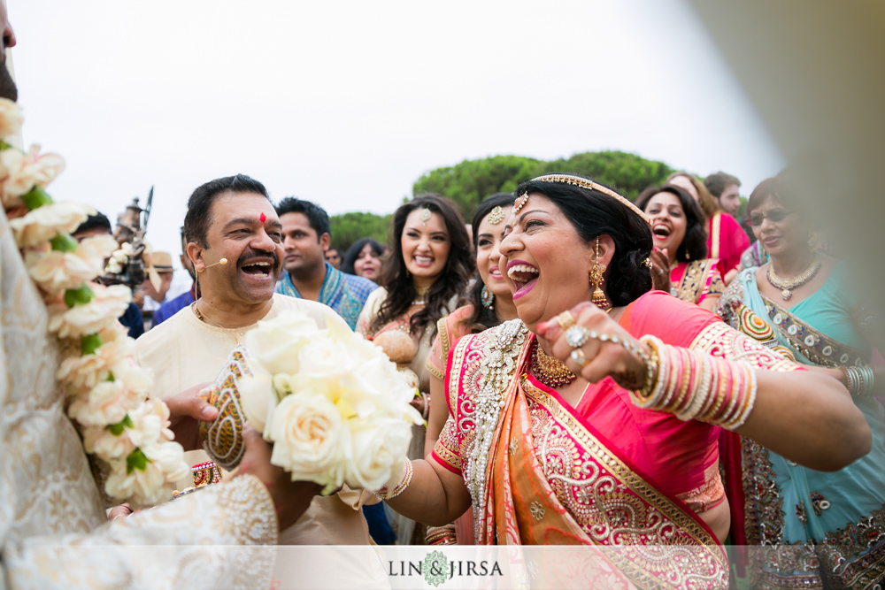 31-laguna-cliffs-marriott-indian-wedding-photographer-wedding-ceremony-photos