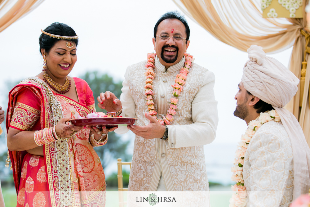 34-laguna-cliffs-marriott-indian-wedding-photographer-wedding-ceremony-photos
